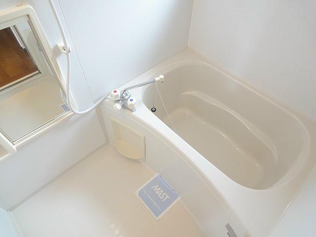 清潔感のある浴室になります。