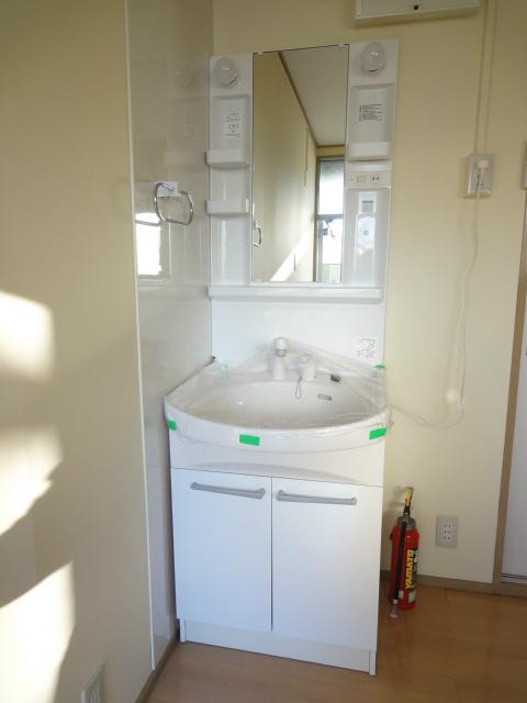 清潔感のある洗面台になります。
