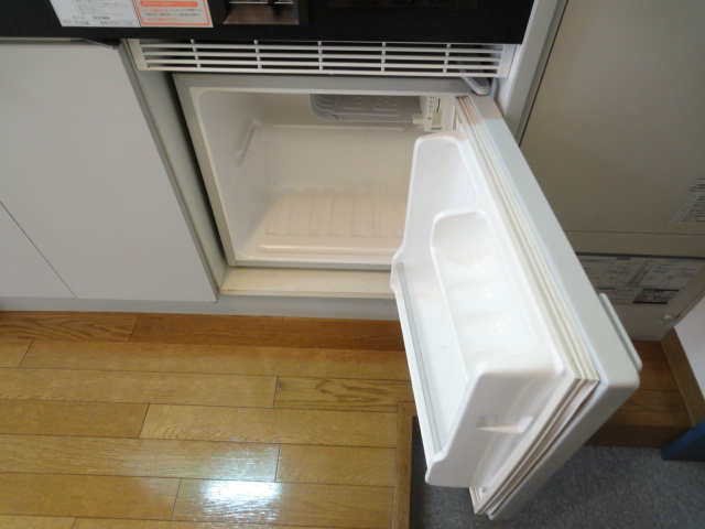 ミニ冷蔵庫になります。