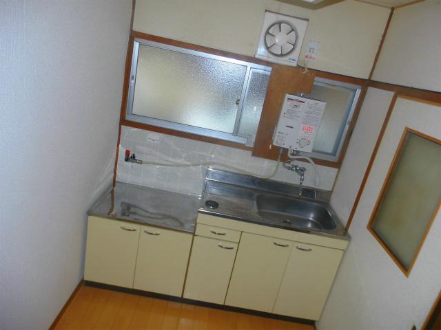キッチン(窓有ます)
