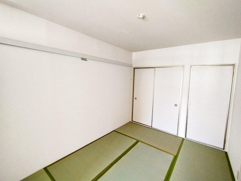 落ち着きのある和室があります。