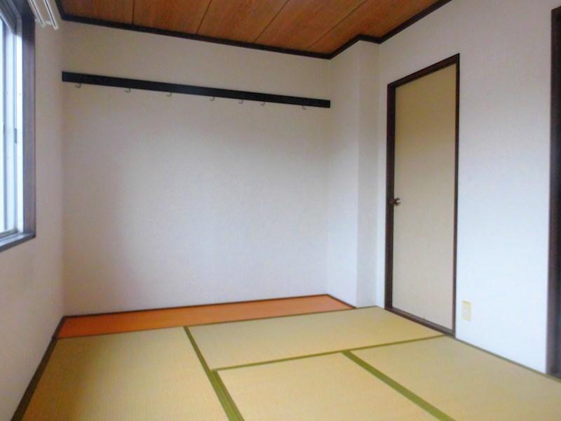写真は102号室の写真です。